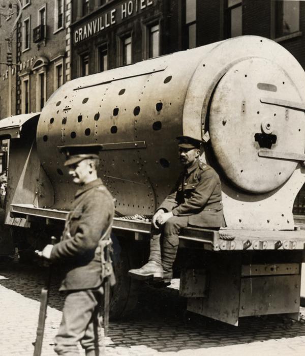A Pint, a Rebellion and an Armoured Car