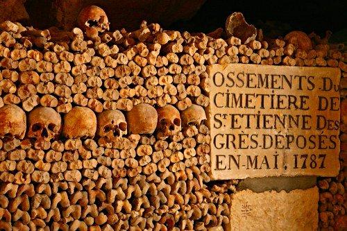 paris_catacombs_20061210